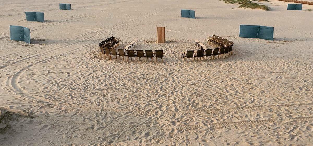 Vergaderen op het strand